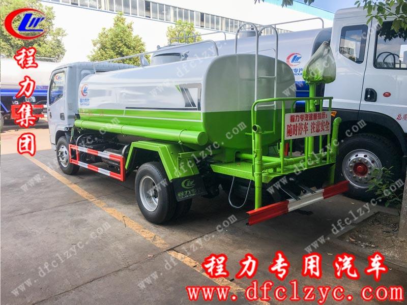 湖北程力生产的国六东风小多利卡洒水车